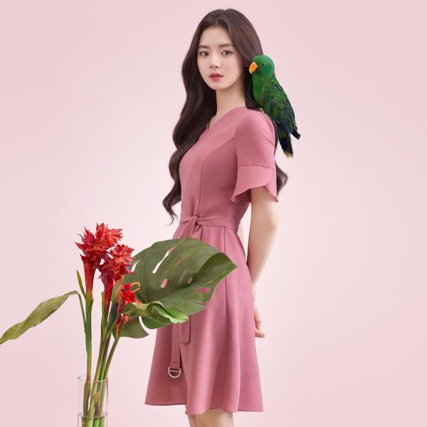 [로엠]꽃잎소매 벨티드 원피스RMOW92601A